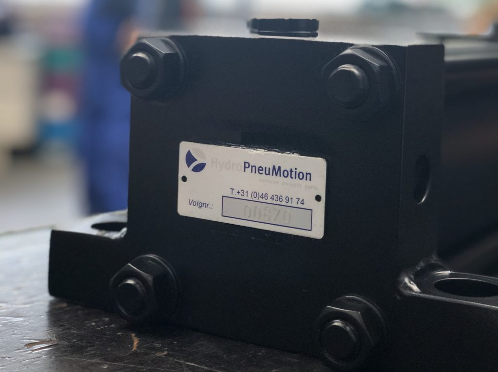hydropneumotion cilinder revisie volg nummer / tag nummer