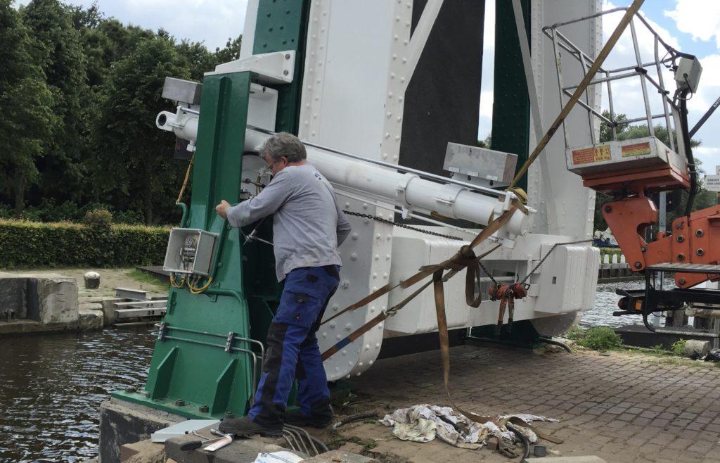 hydropneumotion sluis v project in beeld hydraulische installatie