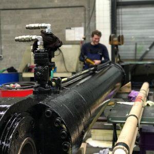 hydropneumotion cilinder repair werkplaats